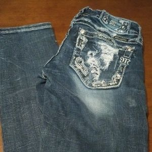 Like New Miss Me Signature Straight Jeans Size 25